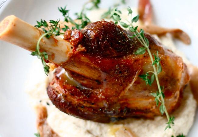 Рецепты с корневой петрушкой: тушеная свинина