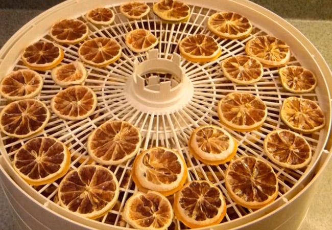Сушеные лимоны в сушилке
