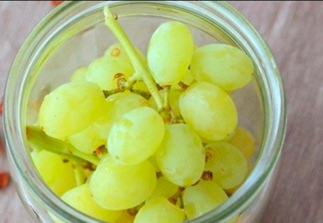 Виноград, консервированный с сахарным сиропом