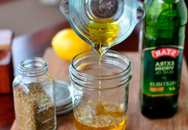 Как заготовить чеснок в масле на зиму