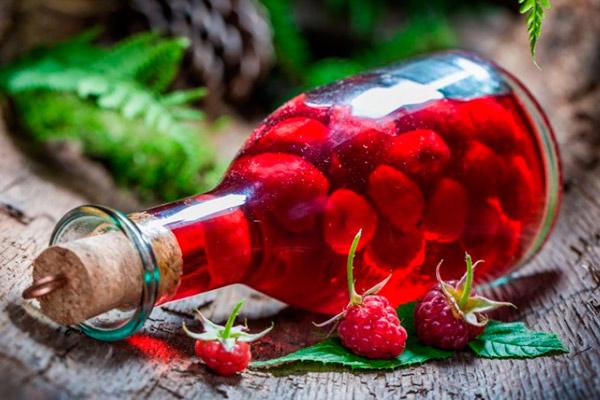 Как приготовить спиртовую настойку из малины