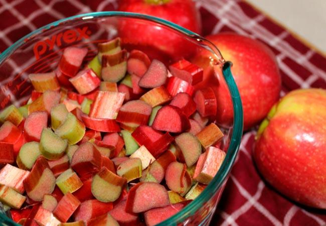 Как приготовить варенье из ревеня и яблок в домашних условиях