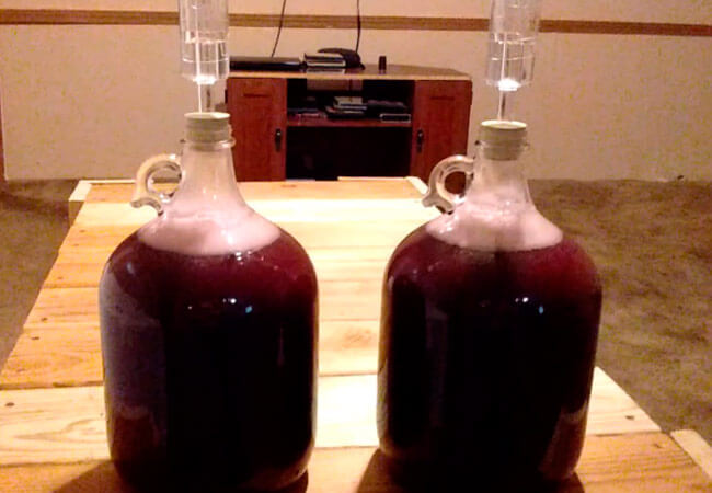 Вино из забродившего компота из вишни, простой рецепт