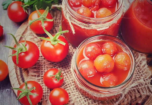 Советы по приготовлению помидоров в собственном соку